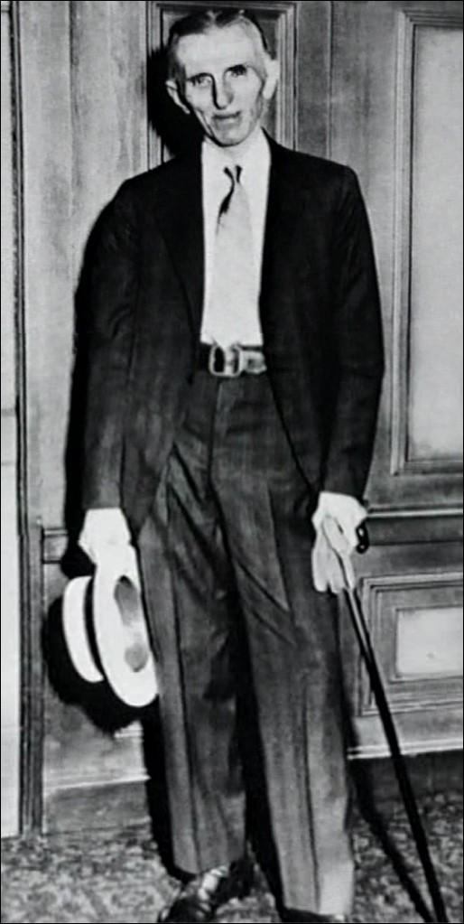 Фото Николы Тесла в зрелом возрасте